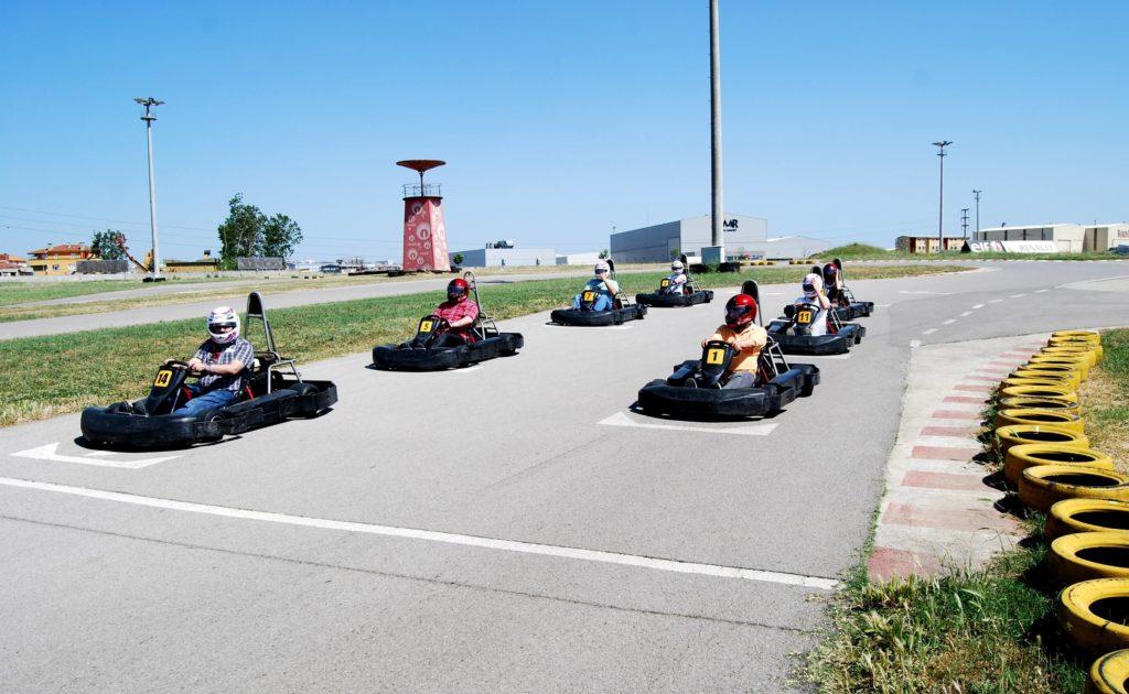 sejour-karting-france-mer-montagne-roanne-loire-42-handicapes-adaptes